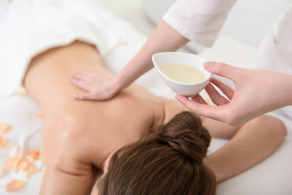 Massage Therapie und Behandlung im Energietreffpunkt in Bad Zurzach bei Rosmarie Bochsler